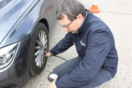 3 goede redenen om maandelijks de bandenspanning te meten